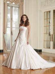 wedding dresses online shopping 50 creative places to buy your wedding dress stylecaster
