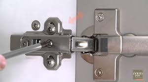 frein de porte cuisine eggo régler la façade de sa porte d armoire