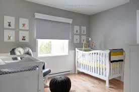 chambre bébé tendance décoration chambre de bébé gris et jaune thème animauxmartine