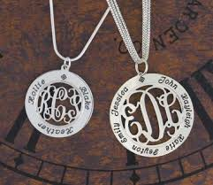 mothers pendant mothers pendant necklace with child names engraved jewlery