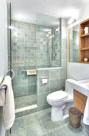 bathroom shower idea best 25 small bathroom showers ideas on in