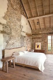 steinwand wohnzimmer tipps 2 schlafzimmer gestalten mit steinwand bigschool info
