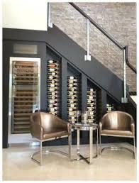 cuisine avec cave a vin aménagement une cave à vin sous l escalier cave wine cellars