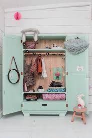 dressing chambre bebe dressing vintage pour chambre d enfant armoires rooms and room