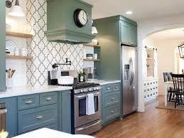White Chalk Paint Kitchen Cabinets by Moroccan Tiles Kitchen Backsplash In White Combined With White
