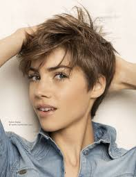 short fashion haircut with short sides and layers in the neck