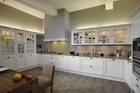 cuisiniste luxe cuisine contemporaine legrand haut de gamme cuisiniste
