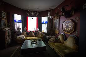 inside a creepy old vancouver house full of dead bodies vice