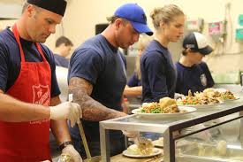 firefighters serve up special thanksgiving dinner tbnewswatch