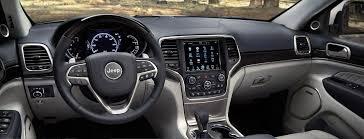 2017 jeep grand cherokee premium interior features
