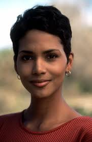harry berry hairstyle race the sun halle berry 1996 black beauty pinterest halle