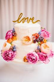 wedding cakes cost how to save money on your wedding cake 12 tips