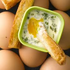 recette cuisine micro onde recette œufs cocotte au micro ondes cuisine madame figaro
