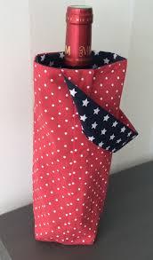 couture accessoire cuisine sac à bouteilles réversible en tissu à pois blancs et marine à