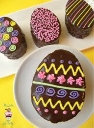 Decorating Easter Eggs Recipe by Want These Individual Chocolate Cakes Shaped And Decorated Like