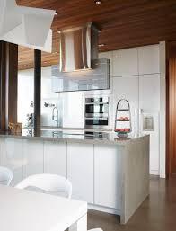 peinturer armoire de cuisine en bois rideau blanc transparent avec accent noir parquet en acajou foncé