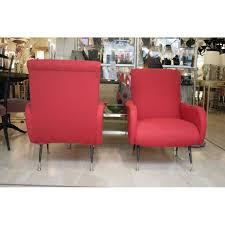fauteuils rouges paire de fauteuils rouges italiens en bois métal et tissu 1950