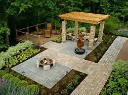 Little Backyard Ideas by 52 Best Driveway Sidewalks And Front Yard Patio Images On
