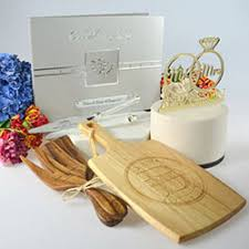 Favor Wedding by Cheap Personalized Wedding Gifts From 60 Personalized Favors