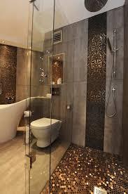 mosaik im badezimmer bad mit mosaik braun ziakia