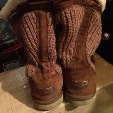 s ugg like boots 80 ugg boots ugg boots s n 5124 from s closet on