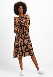 maxi kjole maxikjoler damer køb din nye maxikjole online på zalando dk