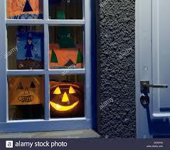 Haus Anzeige Haus Fenster Mit Halloween Anzeige Stockfoto Bild 65385483 Alamy