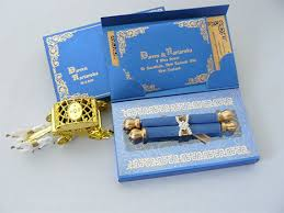 Box Wedding Invitations Mer Enn 25 Bra Ideer Om Box Invitations På Pinterest Vannballonger