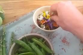 cuisiner en anglais le chef anglais oliver inaugure les cours de cuisine avec