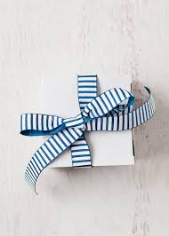 how do you handle extended family gifts design