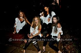 easy last minute college group costume zombies