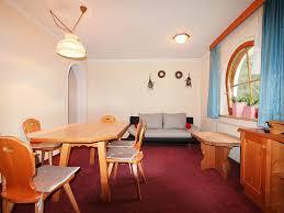 Esszimmer M El Gruber Ferienwohnung Conny In See Für 8 Personen 4 Schlafzimmer Hund