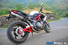 benelli motorcycle 2015 benelli tnt 899 test ride review