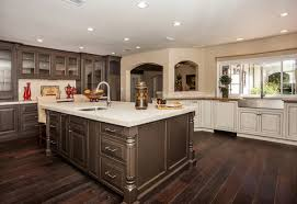 Cleaning Kitchen Cabinets With Vinegar by Cabinet Cleaning Wood Cabinets Sweet Cleaning Wood Cabinet