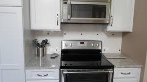 jeujeujeu de cuisine cuisine papier peint cuisine 4 murs avec violet couleur papier