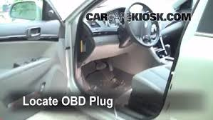 Diagnostic Port Car Engine Light Is On 2006 2010 Hyundai Sonata What To Do 2009
