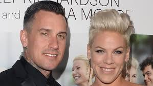 carey hart hair odd things about pink and carey hart s marriage