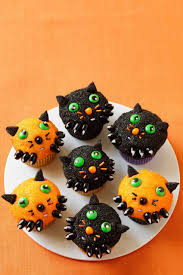 thanksgiving mini cupcakes 35 halloween cupcake ideas recipes for cute and scary halloween