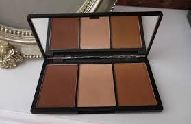 beauty u0026 le chic face form the ultimate contour kit from sleek