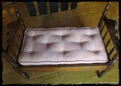 tutorial for creating a mattress for a dollhouse bed from tiny