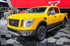 nissan titan yellow fog light 2016 nissan titan xd debuts at detroit auto show