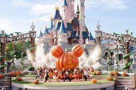 halloween season at disneyland adventures in anaheim