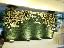 wedding backdrop grass 20 fresh and beautiful greenery wedding backdrops 11