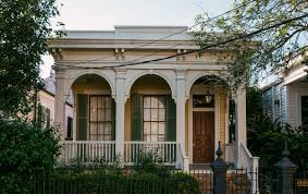 beauty beyond bourbon street a nola garden district walking tour