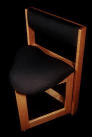 win the original guitar chair acoustic guitar