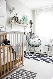 chambre pour bebe chambre lumineuse et épurée pour bébé