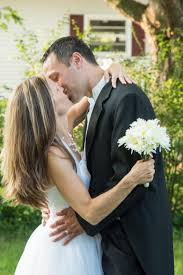 renew wedding vows 5 reasons every should renew their wedding vows today