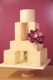 creative cake separators to improve your decorating
