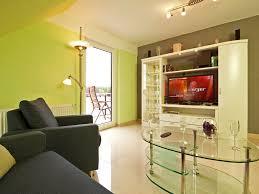 Schlafzimmerm El Mit Fernseher Apartment U0027albatros U0027 Fewo Direkt