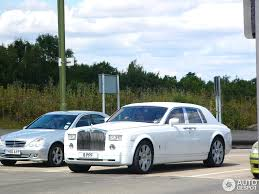 roll royce phantom white rolls royce phantom project kahn pearl white 13 august 2014